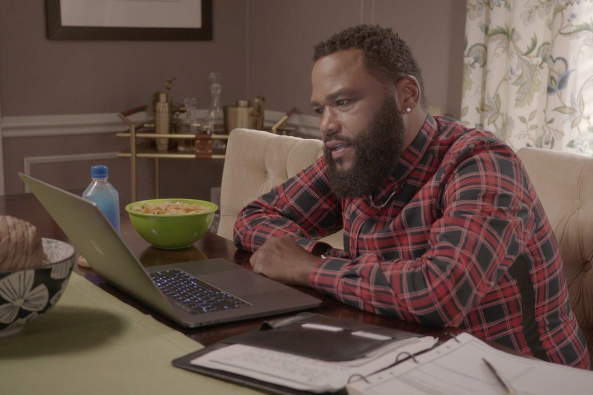 Social Media Activism Tackled in Latest 'black-ish'